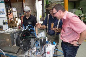 Ronny Wähner zum Firmenbesuch bei der HUSS Maschienenbau GmbH in Neudorf.