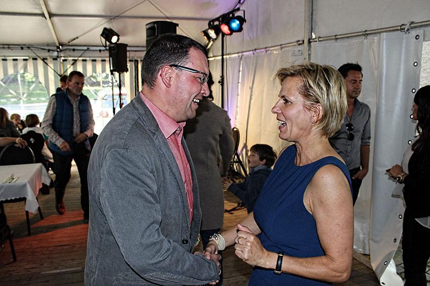 MdL Ronny Wähner gratuliert Staatsministerin Barbara Klepsch zu ihrem 50. Geburtstag.