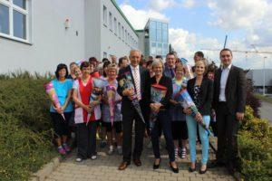 Stanislaw Tillich und Ronny Wähner zu Besuch in der Zuckertütenfabrik in Ehrenfiedersdorf.