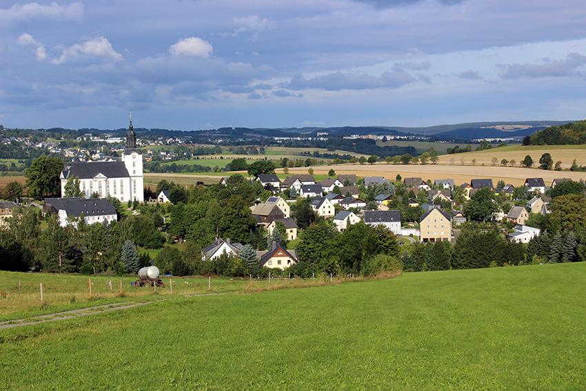 Blick auf Mildenau, im Hintergrund Geyerdsdorf.