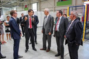 Ministerpräsident Stanislaw Tillich beim Unternehmensbesuch bei Norafin in Mildenau.