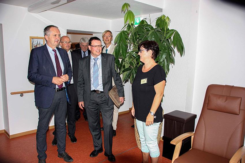 """Staatsminister Schmidt besuchte LEADER-Gebiete """"Annaberger Land""""."""