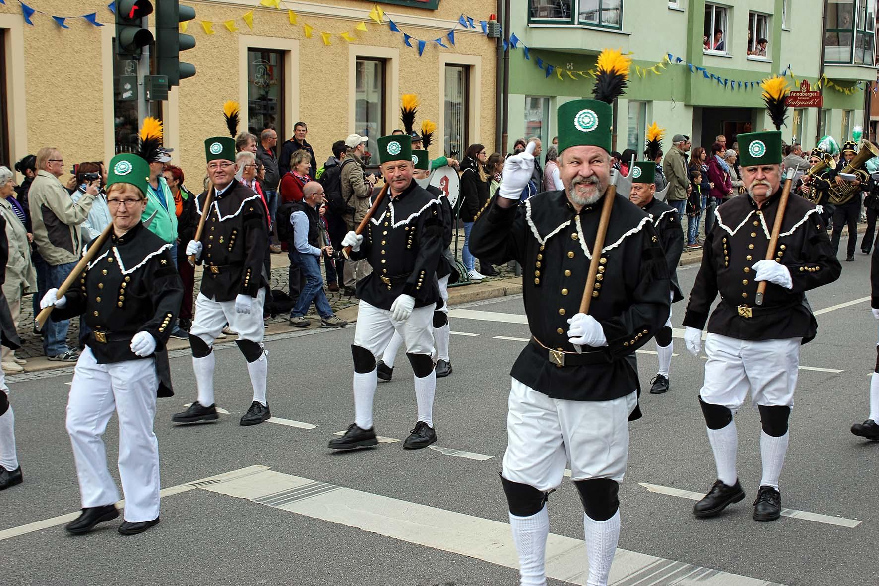 Großer Festumzug am 10. September in Ehrenfriedersdorf.