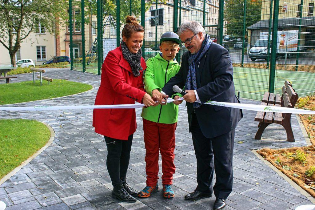 Neue Außenanlagen am Förderschulzentrum in Annaberg-Buchholz übergeben.