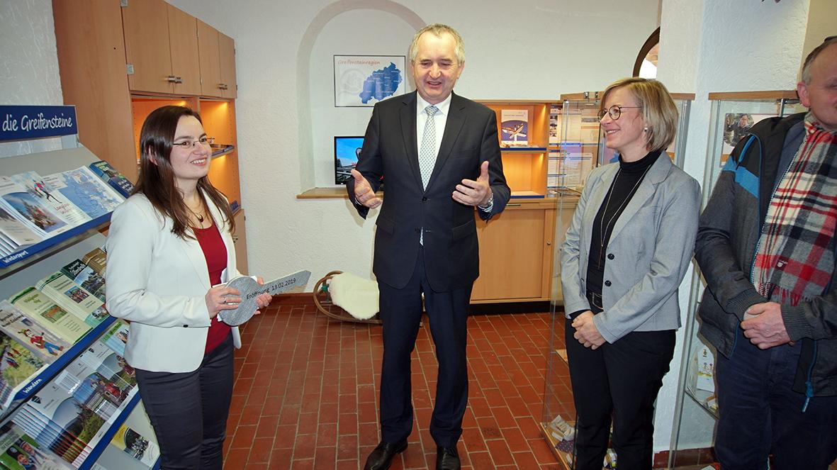 Eröffnung der Touristinformation auf den Greifensteinen mit Staatsminister Thomas Schmidt.
