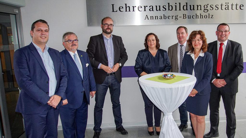 Kultusminister Christian Piwarz eröffnet die Ausbildungsstätte in Annaberg-Buchholz.