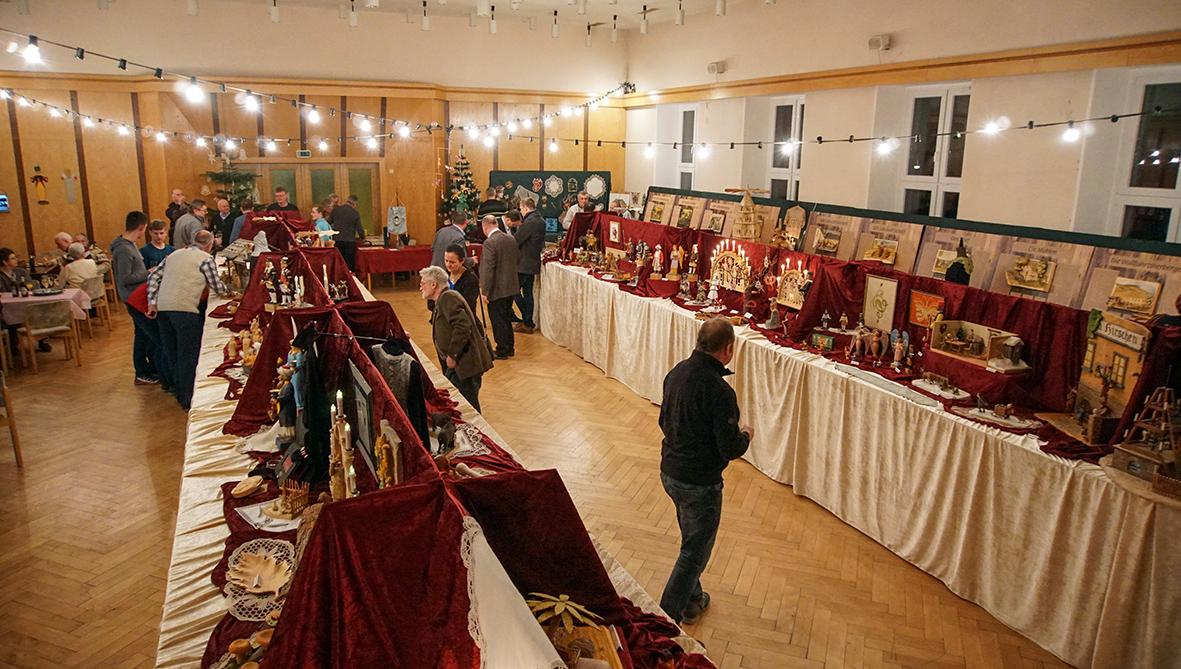 Schnitz- und Klöppelausstellung in Mildenau.