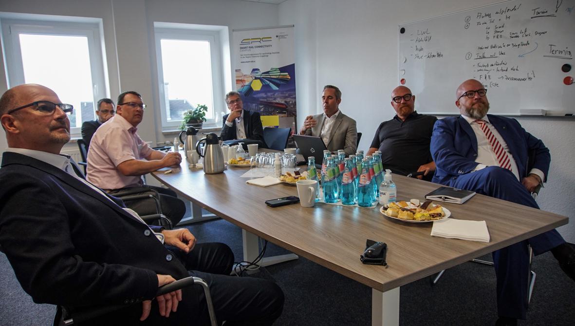 Die Mitglieder des Arbeitskreises Energie, Klimaschutz, Umwelt und Landwirtschaft beim Smart Rail Connectivity Campus in Annaberg-Buchholz.